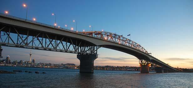 Harbour Bridge in Auckland, New zealand